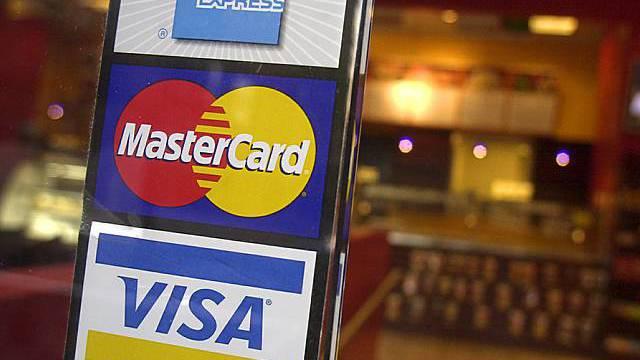 Kreditkarten-Schild (Symbolbild)