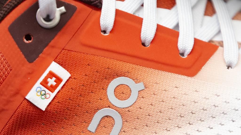 Die Schweizer Laufschuhfirma On Running, bei der Roger Federer Aktionär ist, hat den Zulassungsantrag für den Gang (IPO) an die New Yorker Börse (NYSE) eingereicht. Wie viel Geld der Börsengang einbringt, darüber schweigt die Firma noch (Archivbild)