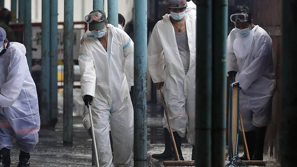Philippinen mit Rekordzahl an Neuinfektionen - Ostermessen fallen aus