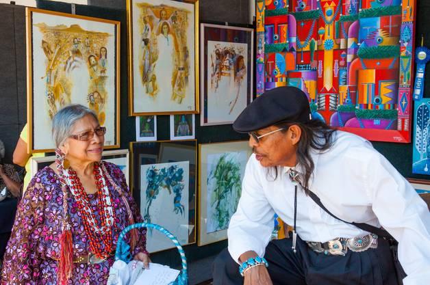 Indianerpueblos: Anders als in den Reservaten blieben die Sagen und andere Traditionen erhalten.