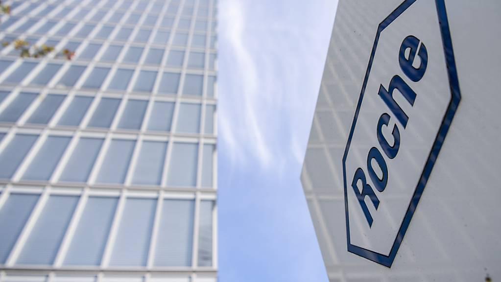Der Pharmakonzern Roche baut sein Diagnostikgeschäft aus. Die Basler übernehmen für rund 1,8 Milliarden US-Dollar das auf Test zu Infektionskrankheiten spezialisierte kalifornische Unternehmen GenMark Diagnostics. (Archivbild)