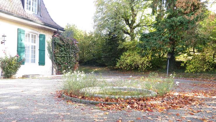 Das Sommerhus ist als Ganzes geschützt und damit auch der zum Ensemble gehörende Brunnen