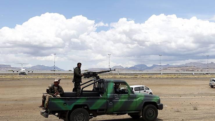 Auf nach Genf: Vertreter der Huthi-Rebellen nehmen an der UNO-Friedenskonferenz für Jemen teil (Archiv)
