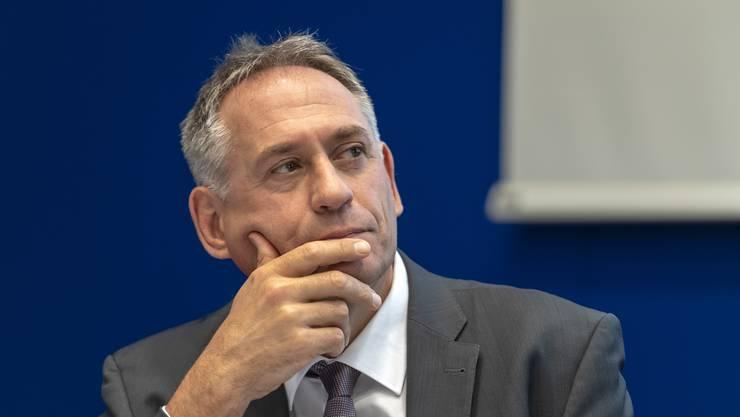 In einer Motion fordert die SP-Fraktion Hans-Peter Wessels dazu auf, die Pläne der zusätzlichen Autobahn auf Eis zu legen.