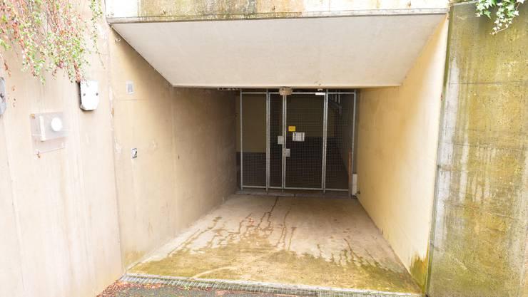 Der Eingang zur unterirdischen Anlage beim ehemaligen Spital Sunnepark in Grenchen.