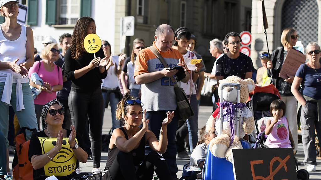 Tausende Gegner von 5G demonstrieren in Bern