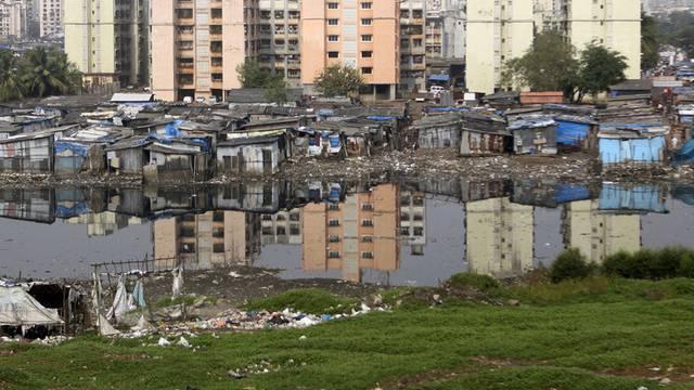 Besonders Menschen in Slums, wie hier in Mumbai, sind vom Klimawandel bedroht