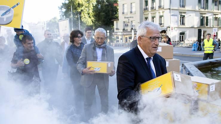 110'000 Unterschriften für den Schutz von Kindern und Jugendlichen vor Tabakwerbung: Der Bundesrat lehnt die Initiative zwar ab, unterstützt deren Ziele aber weitgehend. (Archivbild)