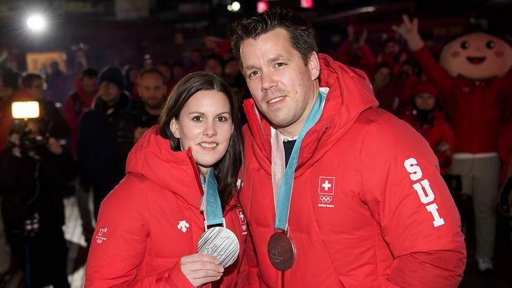 """Jenny Perret und Martin Rios """"chifleten"""" sich in die Herzen des TV-Publikums und eröffneten den Schweizer Medaillenreigen an den Olympischen Winterspielen in Südkorea"""