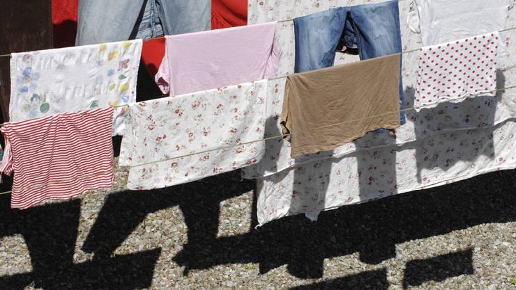 Das Zürcher Wäschemonopol fällt: Der Kanton verkauft die Zentralwäscherei an ihre drei grössten Kunden. (Bild: Alex Spichale)