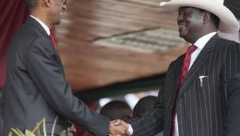 Kenias Ex-Premier Odinga (rechts) trauert um seinen Sohn (Archiv)