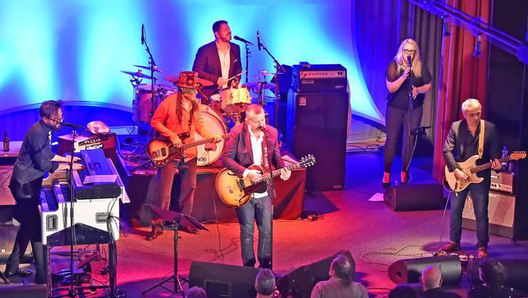 Mr. Blues, Philipp Fankhauser und Band gastierten im «Rössli» Balsthal vor ausverkauften Rängen.