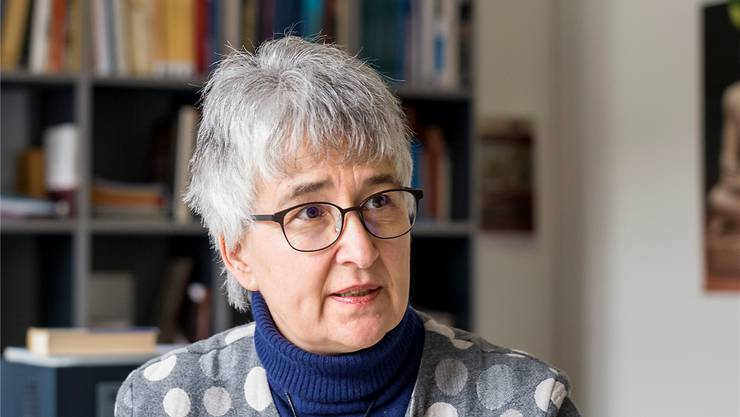 Beschäftigt sich seit ihrer Jugend mit dem antiken Ägypten: Susanne Bickel in ihrem Basler Büro.Kenneth Nars