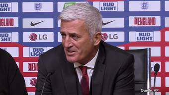 Nach dem Spiel antwortet Vladimir Petkovic unter anderem auf die Frage, ob er überrascht gewesen sei, dass die Schweiz so oft im Ballbesitz gewesen war.