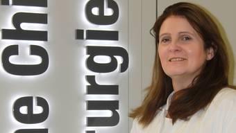 Claudia Meuli-Simmen, Chirurgin, leitet seit dreizehn Jahren die Klinik für Handund Plastische Chirurgie am Kantonsspital Aarau KSA. URSULA KÄNEL KOCHER
