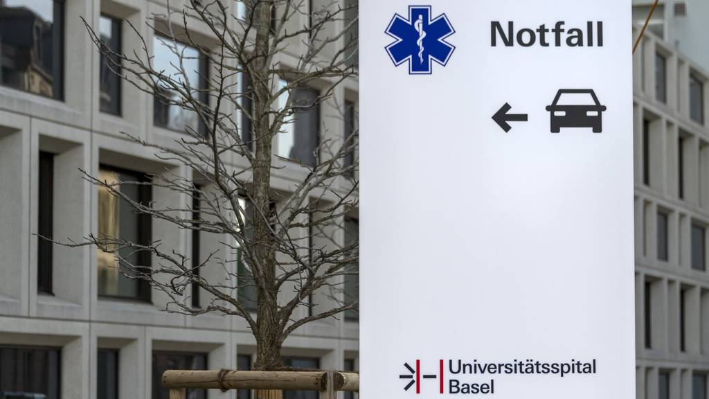 Das Universitätsspital Basel nimmt zwei Corona-Patienten aus dem Elsass auf. (Symbolbild)