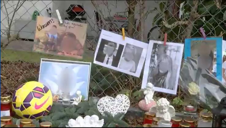 Dieses Bild vor dem Haus der Opfer wurde zirka 9 Tage nach der Tat aufgenommen.