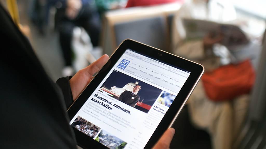 Beim Gratisblatt 20 Minuten kommt nach «Video First» nun «Social Media First». Es sollen 17 Stellen geschaffen werden. (Symbolbild)