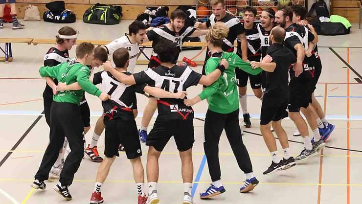 Die NLB des TV Birsfelden bejubelt ihren ersten Saisonsieg!