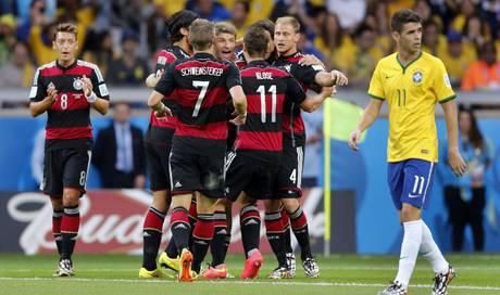 Wie Im Falschen Film Brasilien Von Deutschland 1 7