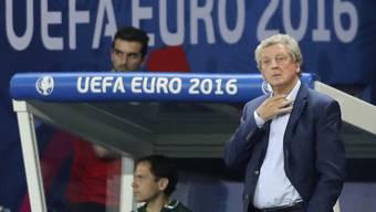 Vorbei: Roy Hodgson verfolgt die letzten Minuten der Engländer an der EM - danach erklärt er seinen Rücktritt