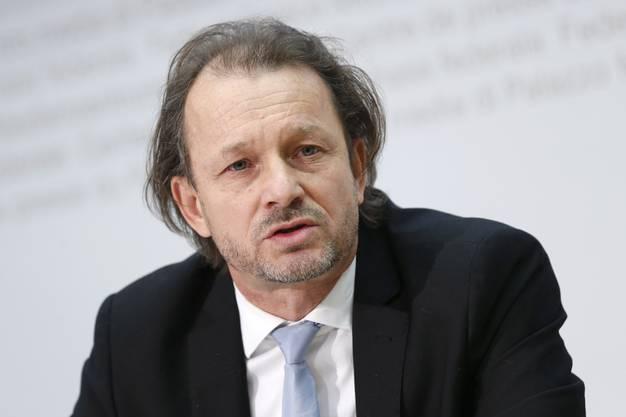 Andreas Peter , Pfarrer im Zürcher Neumünster, an der Medienkonferenz