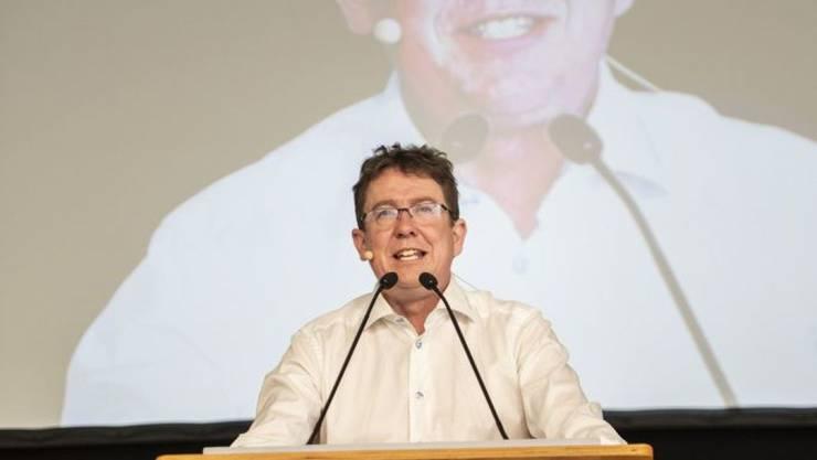 """Die Initiative """"Schweizer Recht statt fremde Richter"""" bedeute """"ein Ja zur direkten Demokratie"""", sagte SVP-Parteipräsident Albert Rösti vor den Delegierten in Les Bugnenets NE."""