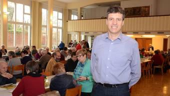 Andreas Haag am «Ässe mitenand», dem offenen Mittagstisch. In Trimbach haben sich der 51-Jährige und seine Familie gut eingelebt.