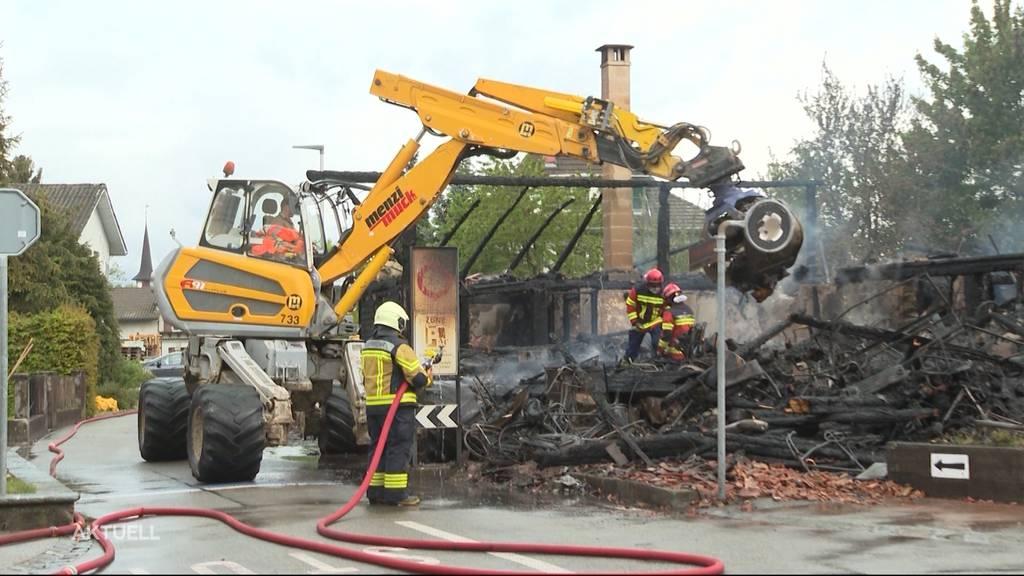 Leeres Bauernhaus wegen Brandstiftung niedergebrannt?