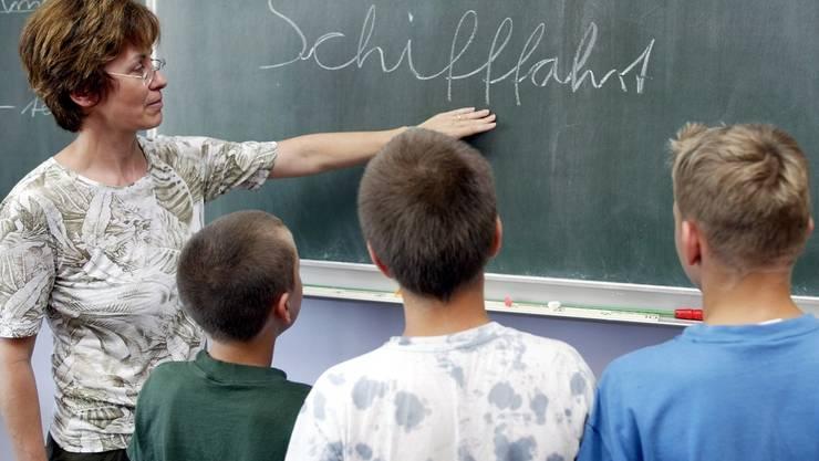 «Schnüerlischrift» - sie sei zu schwierig für Schülerinnen und Schüler.