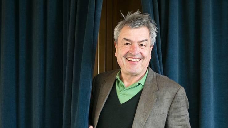 Der Badener Theatermacher Walter Küng spielt in der beissenden Gesellschaftssatire über Provinzmief, «Lokalbericht», eine der vier Hauptrollen.