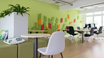 So sieht das Seminarzimmer für 25 Personen mit dem Namen Basislager aus, das über CommonSpace buchbar ist.