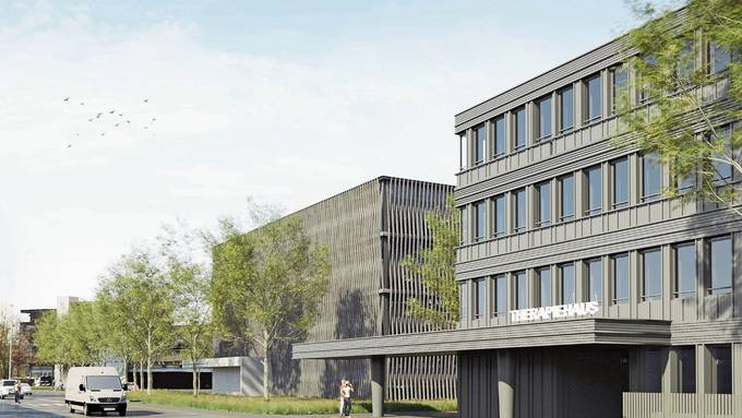 Das Parkhaus (M.) wird zwischen dem alten Parkhaus und dem neuen neben dem Therapiehaus (r) erstellt.
