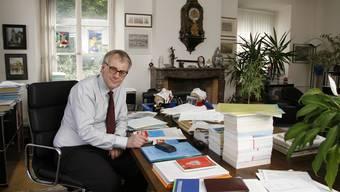 Optisch hat sich in Kurt Fluris Büro seit 20 Jahren kaum etwas verändert. (Archiv)