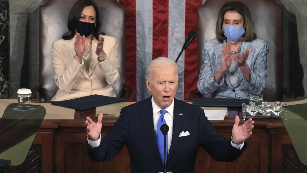Joe Biden, Präsident der USA, spricht vor einer gemeinsamen Sitzung des Kongresses in der Kammer des Repräsentantenhauses im US-Kapitol. Foto: Chip Somodevilla/Getty Images North America/AP/dpa