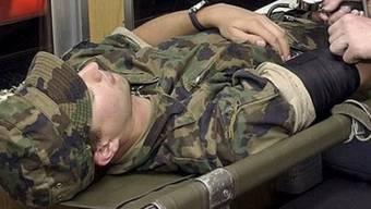 Ein verletzter Soldat (Symbolbild)