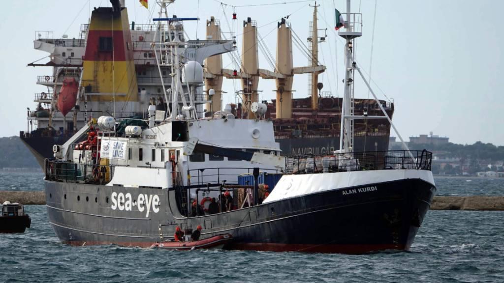 FILED - Italienische Behörden hatten die «Alan Kurdi» unter anderem mit der Begründung technischer Mängel am 5. Mai festgesetzt. Photo: Renato Ingenito/LaPresse via ZUMA Press/dpa