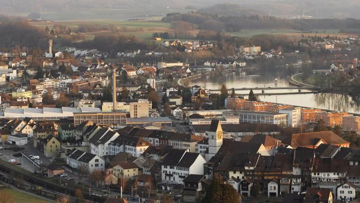 Klingnau (mit Döttingen im Hintergrund) hat im Moment knapp 3270 Einwohner.