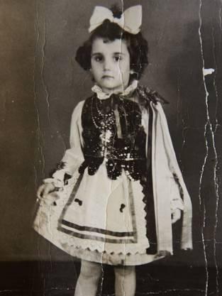 Dieses Foto von sich selbst hat Lidia Maksymowicz bis heute aufbewahrt. Es ist eines ihrer ältesten Besitztümer.