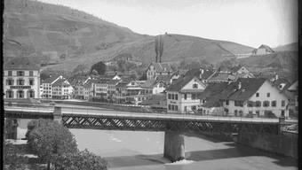 Fotos wie dieses aus dem Jahr 1898, das die Schiefe Brücke in Ennetbaden zeigt, sind jetzt für jedermann online zugänglich.