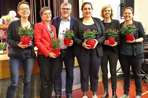 Von links: Sabine Asprion, Sandra Strüby, Eric Nussbaumer, Samira Marti, Miriam Locher und Désirée Jaun. Der siebte Kandidat Andreas Bammatter war abwesend und fehlt daher auf dem Bild.