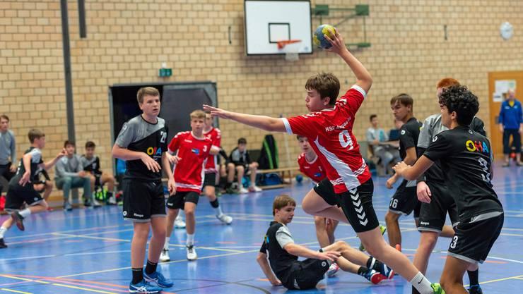 Ungefährdeter Sieg gegen den Gastgeber aus St. Gallen: Mit 34:21 überzeugen die Handballer der Junioren U15 Elite HSG Aargau Ost in ihrem Auswärtsspiel.