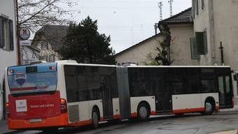 Die BSU-Busse sollen  künftig ohne Ampel kreuzen können. Dagegen wehren sich die Anstösser der Berntorstrasse