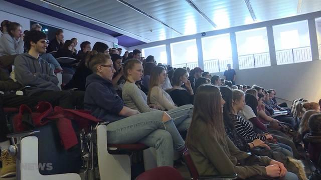 Über 200 Schüler debattieren über Klimawandel