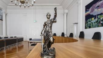 Schuldenwirtschaft: Nun griff Justizia durch