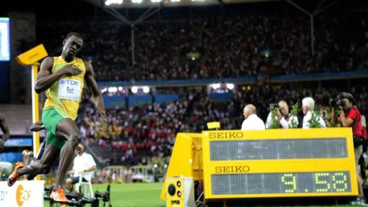 Mit der Weltrekordzeit von 9,58 Sekunden, aufgestellt am 16. August 2009 im Final der Leichtathletik-WM in Berlin, ist Usain Bolt der einzige Mensch, der die 100 Meter in weniger als 9,6 Sekunden lief. Geht's noch schneller? Die Wissenschaft ist uneins. (Archivbild)