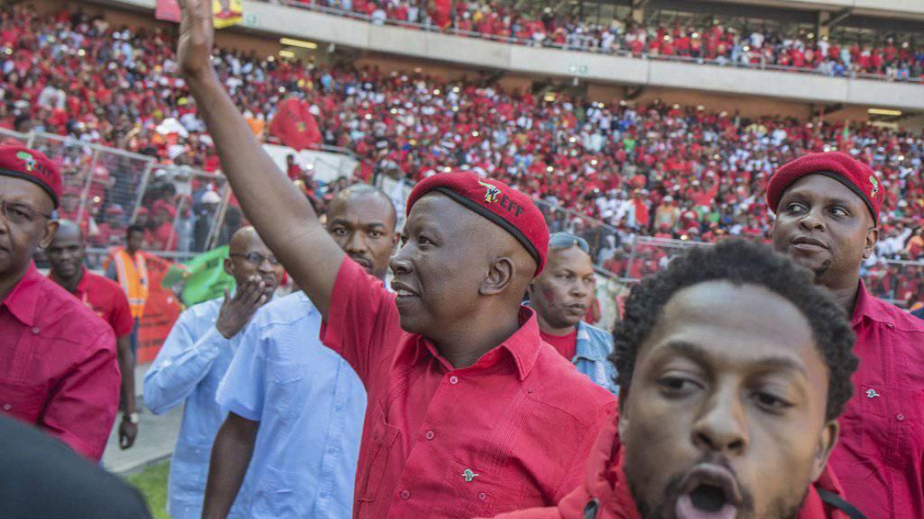 Julius Malema, Oppositionsführer und Chef der Partei Economic Freedom Fighters (EFF) bei der letzten Wahlkampfveranstaltung in Soweto.