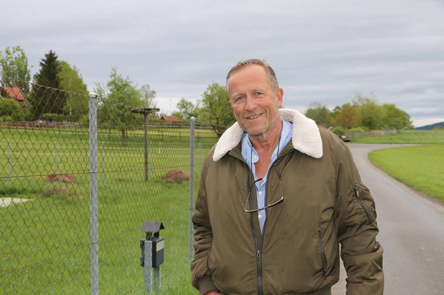 Markus Boschung pflegt schon seit 38 Jahren Störche und verletzte Greifvögel. (Bild: FM1Today/Nina Müller)