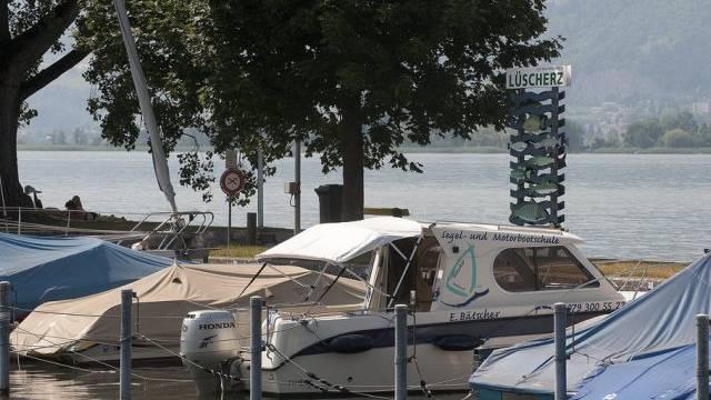 Motorboote in Lüscherz am Bielersee (Archiv)