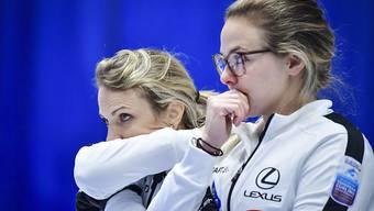Die aktuellen Weltmeisterinnen Silvana Tirinzoni (links) und Alina Pätz: Wie werden sie sich in Adelboden gegen starke Männerteams aus der Affäre ziehen?